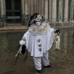 Maske im Wasser